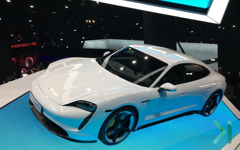 Porsche-taycan-turbo-S